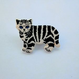 Vintage Striped Kitten Pin / Brooch
